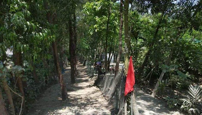 করোনা সন্দেহে সুর্বণচরে ৪ বাড়ি লকডাউন